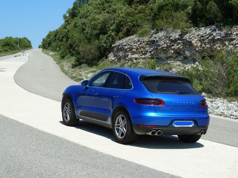 Porsche macan SD bleu Turquoise