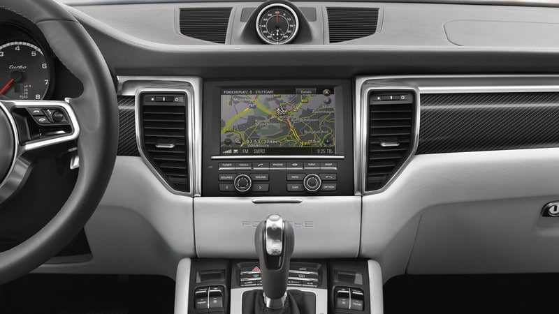 porsche-navigation-info-traffic 2015